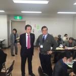 浅尾慶一郎議員(中央左)