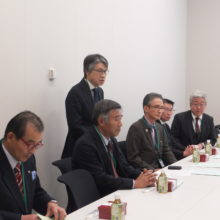 石川県国会議員への陳情であいさつする太田会長